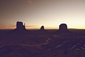 Monument Valley / Monument Valley Sunrise