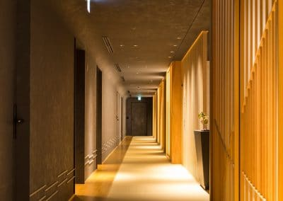 hoshinoya tokyo hallway
